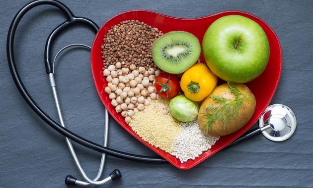 تغذیه مناسب بعد از آنژیوگرافی قلب باید به چه صورت باشد؟